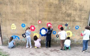 Cortili scolastici: ecco come sono cambiate 5 scuole a Piacenza
